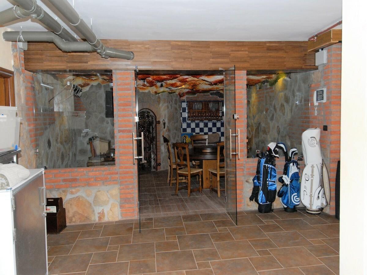 Villa indipendente, tavernetta